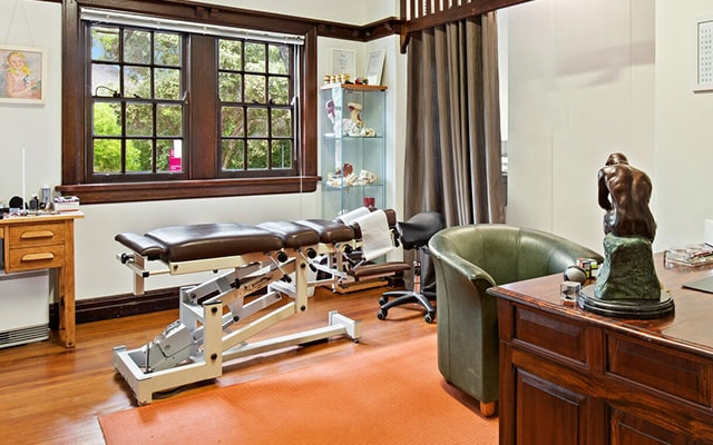 Photo of our Chiropractic treatment room